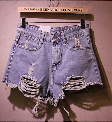 http://www.stylemoi.nu/denim-shorts-in-distressed-finish.html