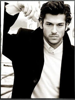 burak-ozcivit-best-model-of-turkey-2005