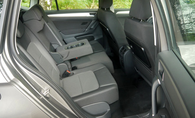 Volkswagen Golf SV rear seating