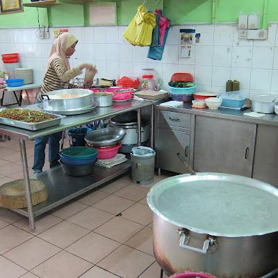 Mana-Lagi-Nasi-Lemak-Taman-Perling-Johor-Bahru-Malaysia
