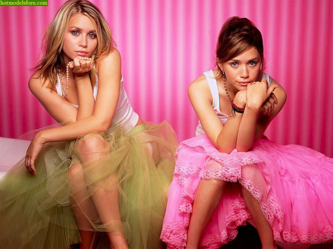 http://2.bp.blogspot.com/-N3VS3jeULQg/TarvSQvEi1I/AAAAAAAAAcE/9xM8Rueq51c/s1600/Hot+Olsen+Twins+hot+legs+hot+lips+kissing+Hot+Hollywood+Actress+3.jpg