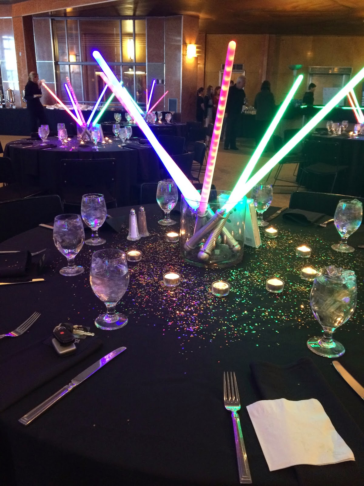 Margotmadison star wars themed bar mitzvah for Star wars dekoration