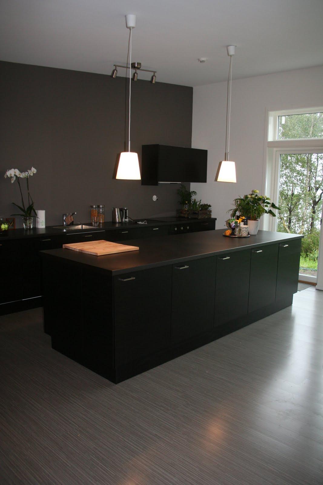Building a home: Kj?kken, bad og soveromsgang:-)