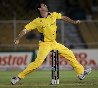 Shaun Tait in his delivery style, Australia v Zimbabwe, Group A, World Cup 2011, Ahmedabad, February 21, 2011