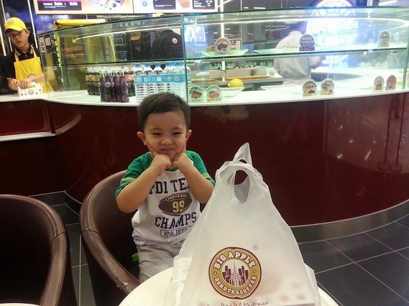 Layan Peminat Big Apple Donuts & Coffee!