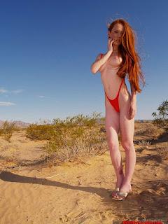 Naked brunnette - rs-zip_temp_022-701251.jpg