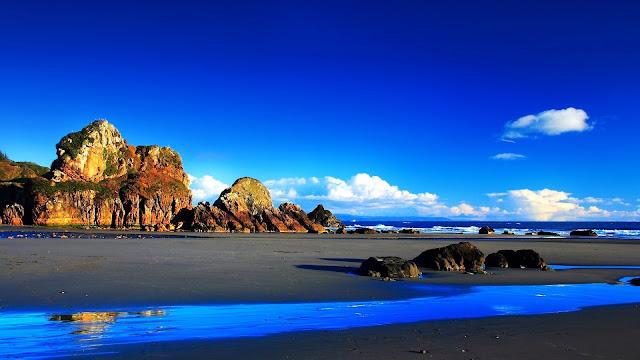 Grey Sand Beach