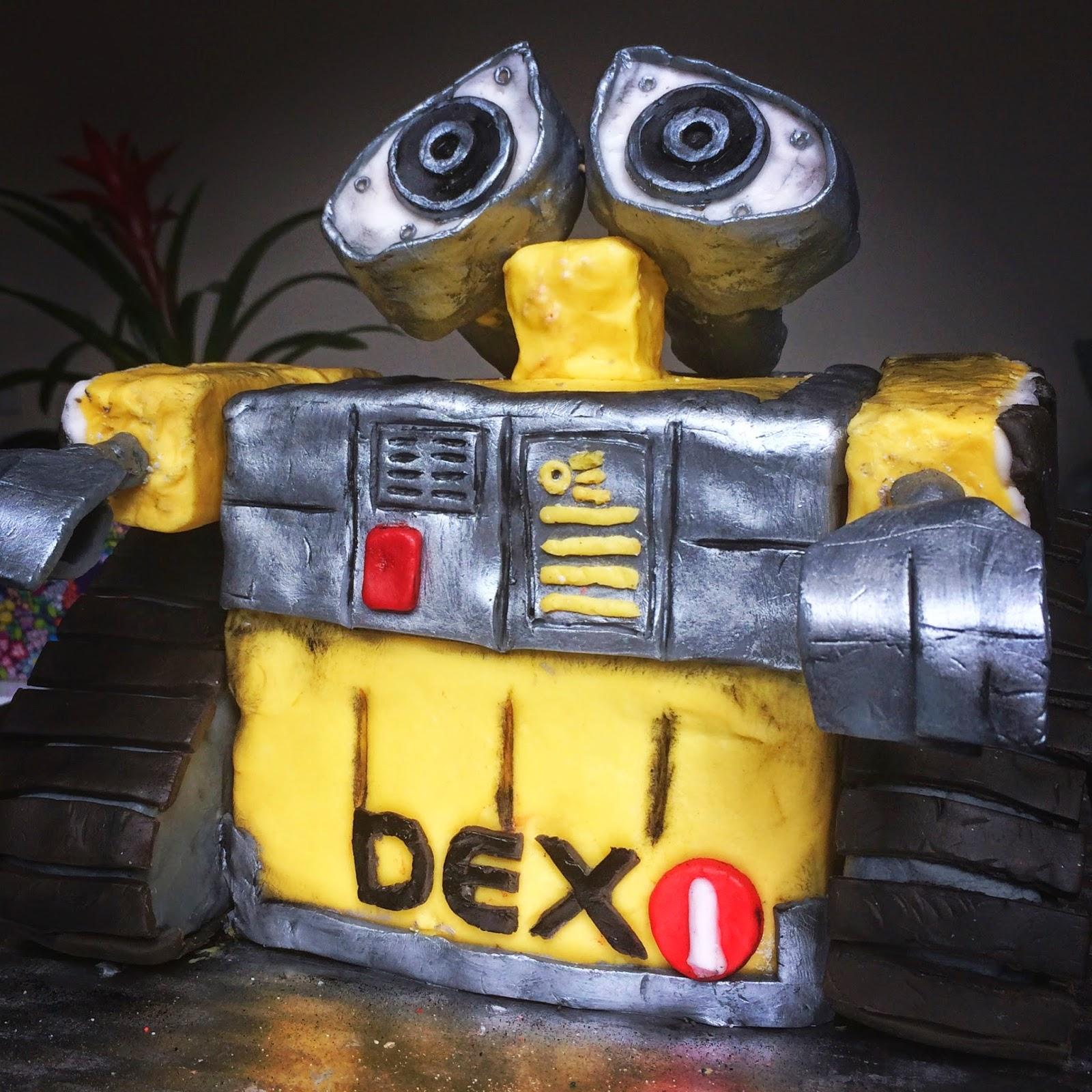 Wall-E Cake   Eva the Cake Diva