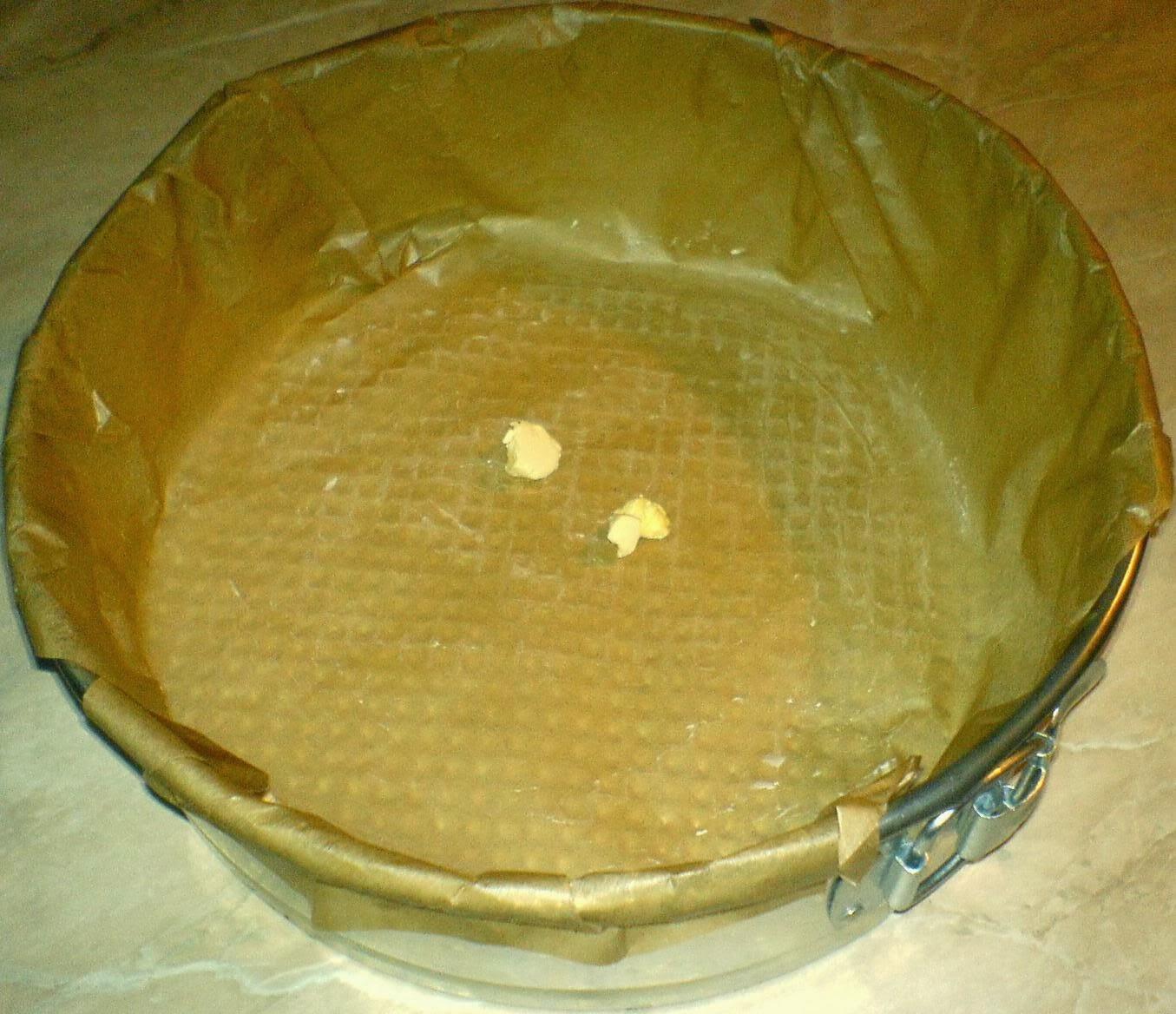 forma de tort, placinta de casa cu branza dulce si stafide, forma pentru tort
