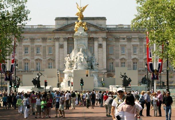 william and kate royal wedding memorabilia. Royal wedding memorabilia of