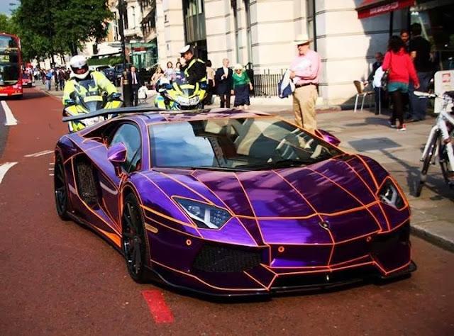 car+Lambo+Lovers+Hit+A+Like+cars