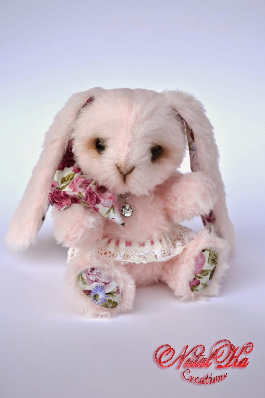 Artist teddy bunny handmade by NatalKa Creations. Авторский зайчик ручной работы от NatalKa Creations.