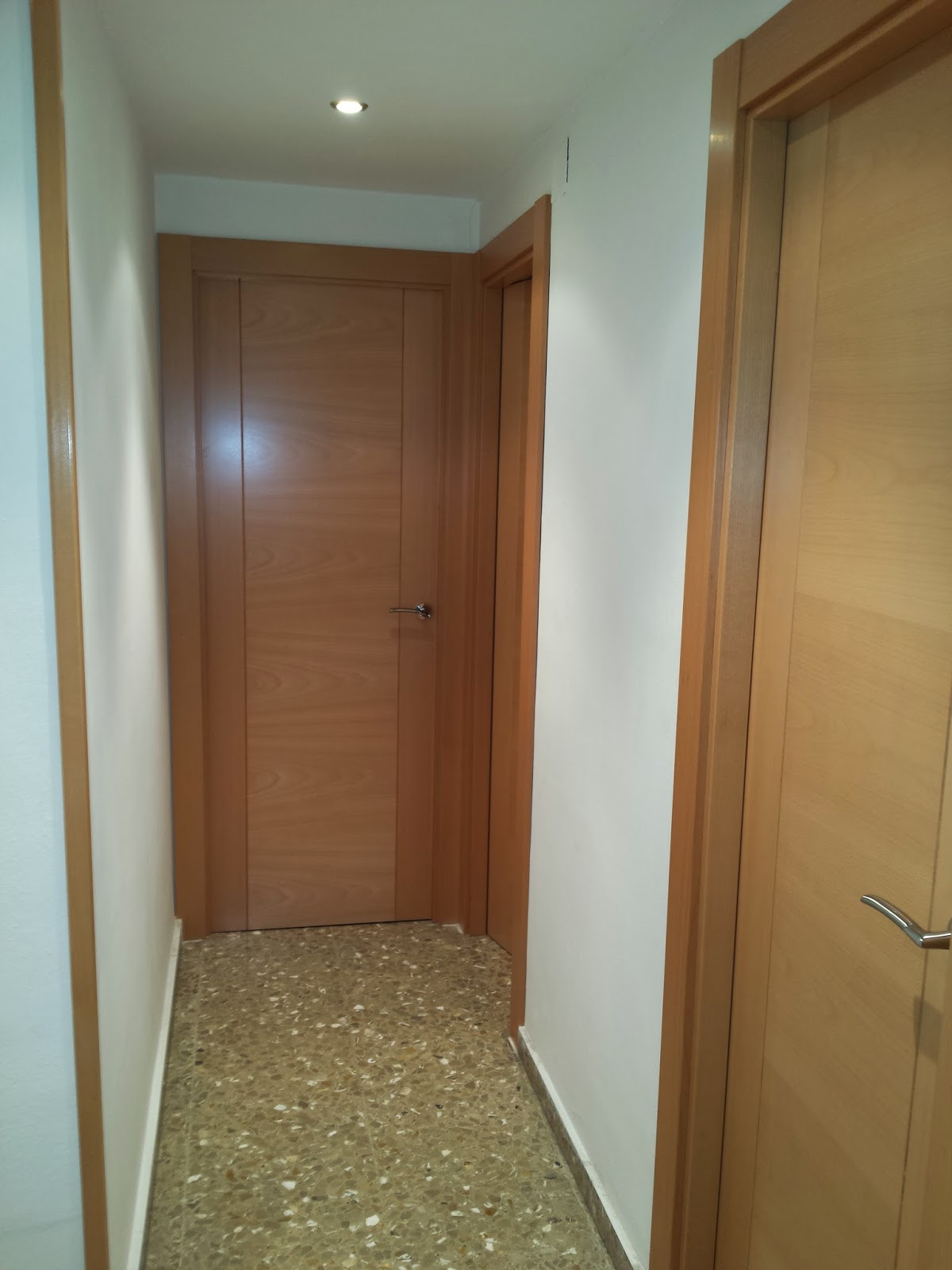 Puertas y maderas gasca mobiliario a medida y reformas for Puertas pisos precios