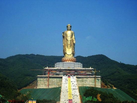 Templo da primavera do buda a est tua mais alta do mundo for Statua piu alta del mondo