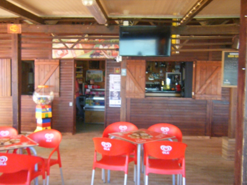 Interior do Bar da Praia Fluvial Odivelas