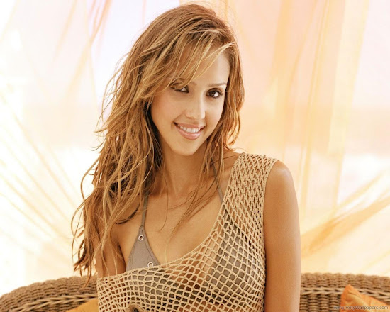 Hollywood Model Jessica Alba Latest Wallpaper