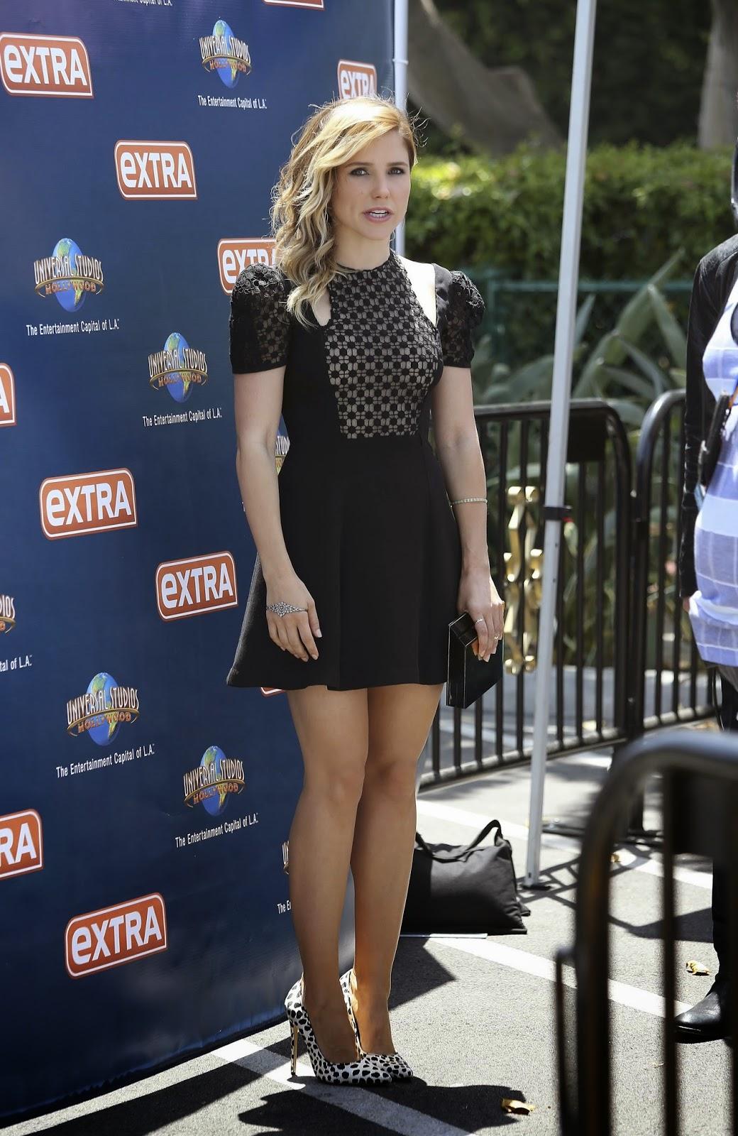 Sophia Bush on set of EXTRA in Universal City 19/05/2014
