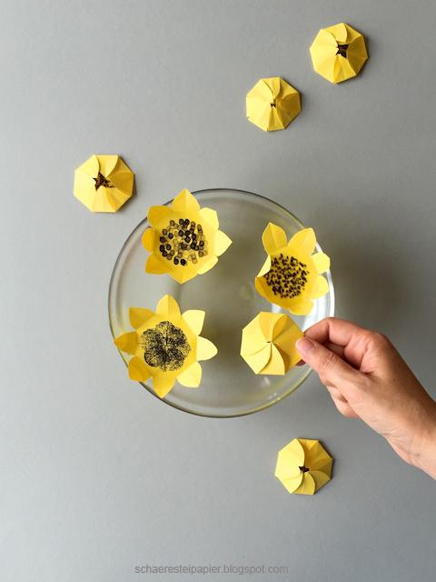 schaeresteipapier sonnenblumen die zauberhafte variante. Black Bedroom Furniture Sets. Home Design Ideas