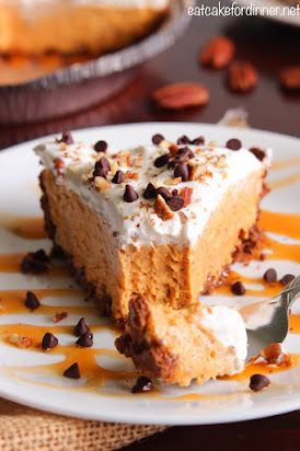 No-Bake Pumpkin Turtle Pie