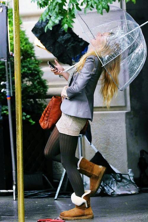 Roupa para chuva - galochas e guarda chuva