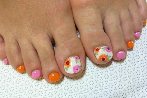 Nail art polish for short nails