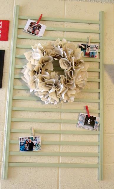 decorative wreath on crib -note holder