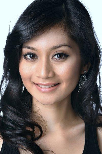 Image Result For Foto Bugil Artis Dewi Rezer