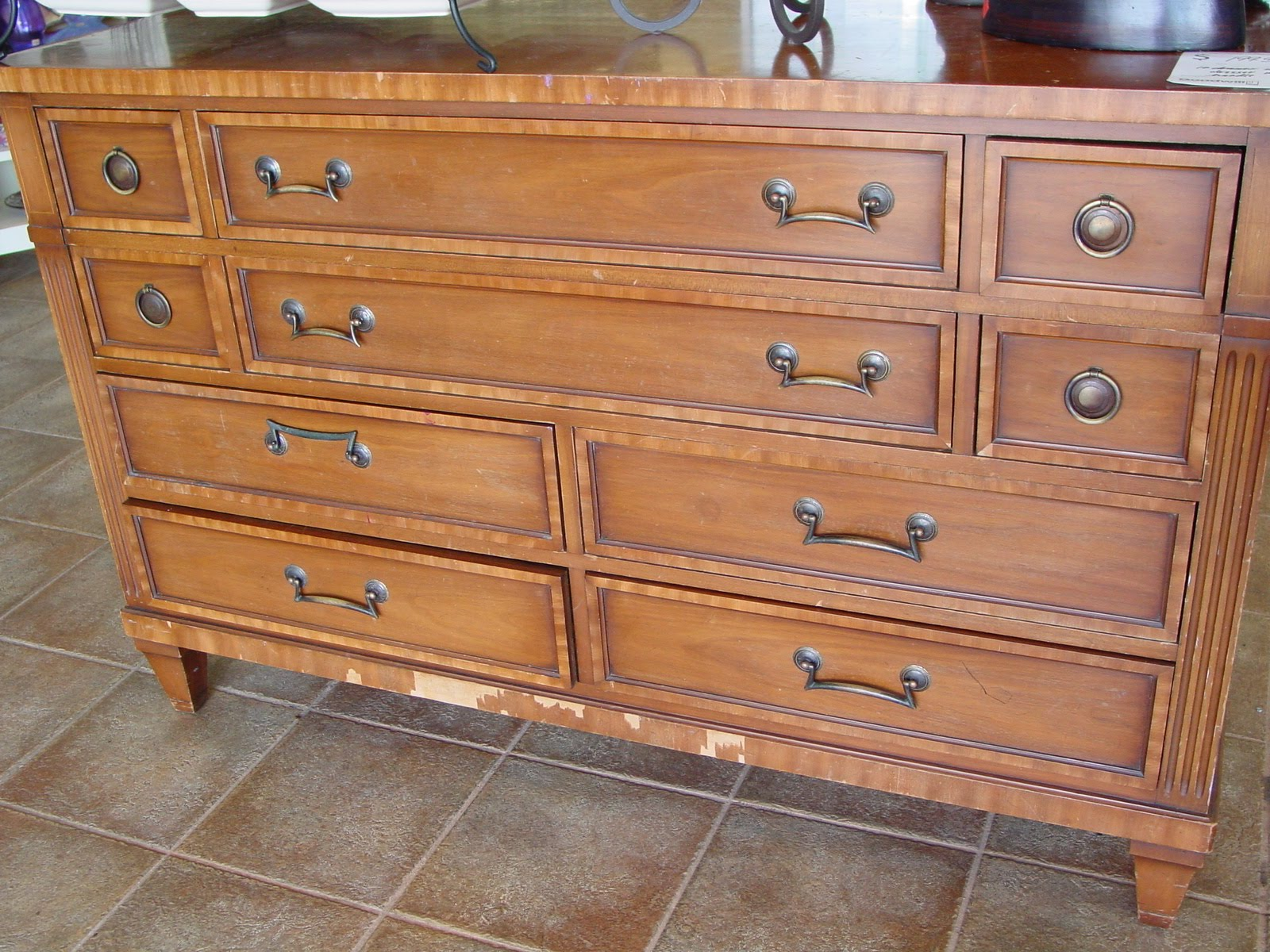 Don T Get Me Wrong This Dresser Is A Beautiful Piece It Has Tons Of Potential But 200 On Something Goodwill Got As Donation
