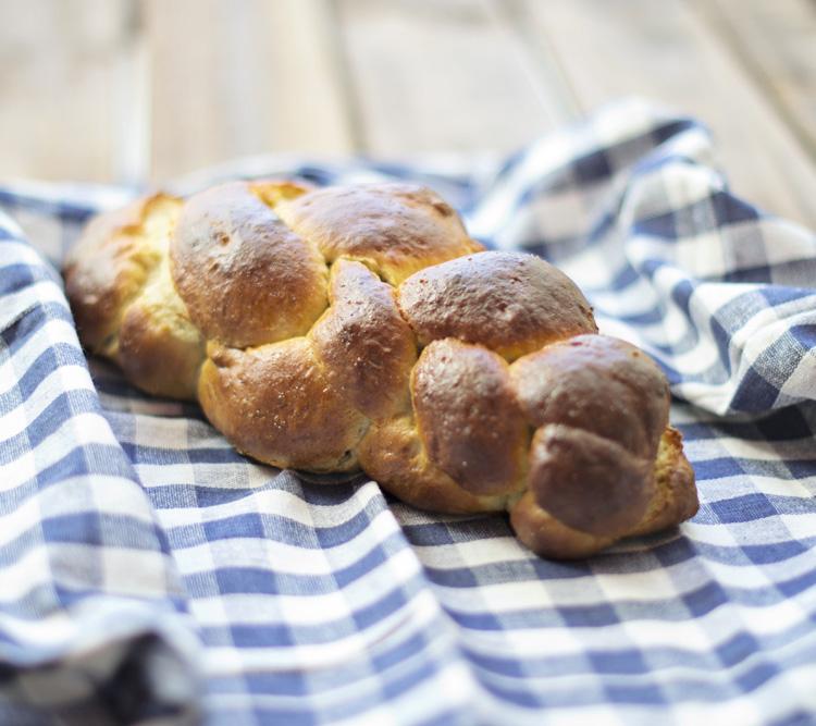 DSC 0750 Tsoureki   Τσουρέκι [Pan dulce griego de pascua]