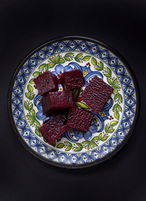 Marinated raw beet