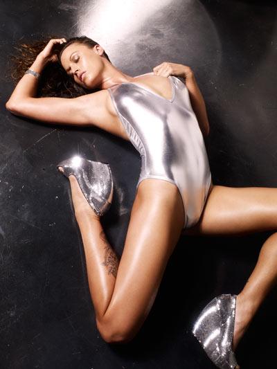 Sarah Dark Nude Photos
