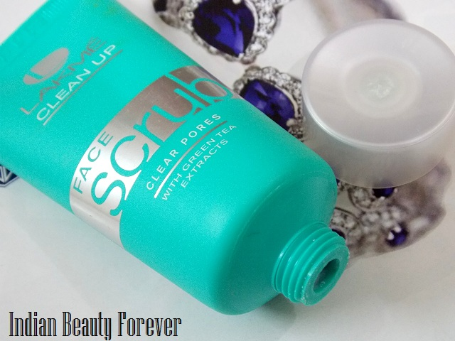 Lakme clean up clear pores face scrub with green tea extracts Review