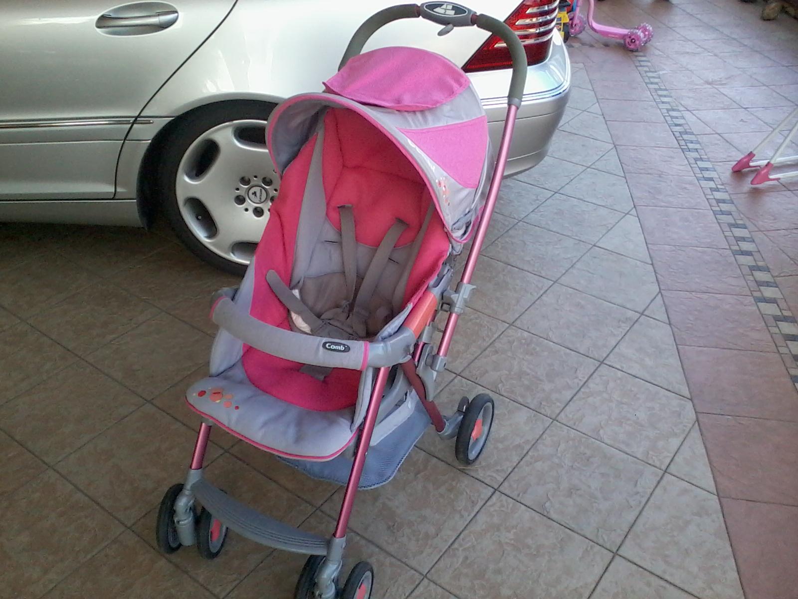 Aliff Preloved Store Combi Urban Walker Sporty Stroller Pink