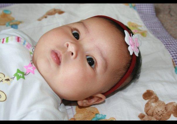 bayi perempuan imut