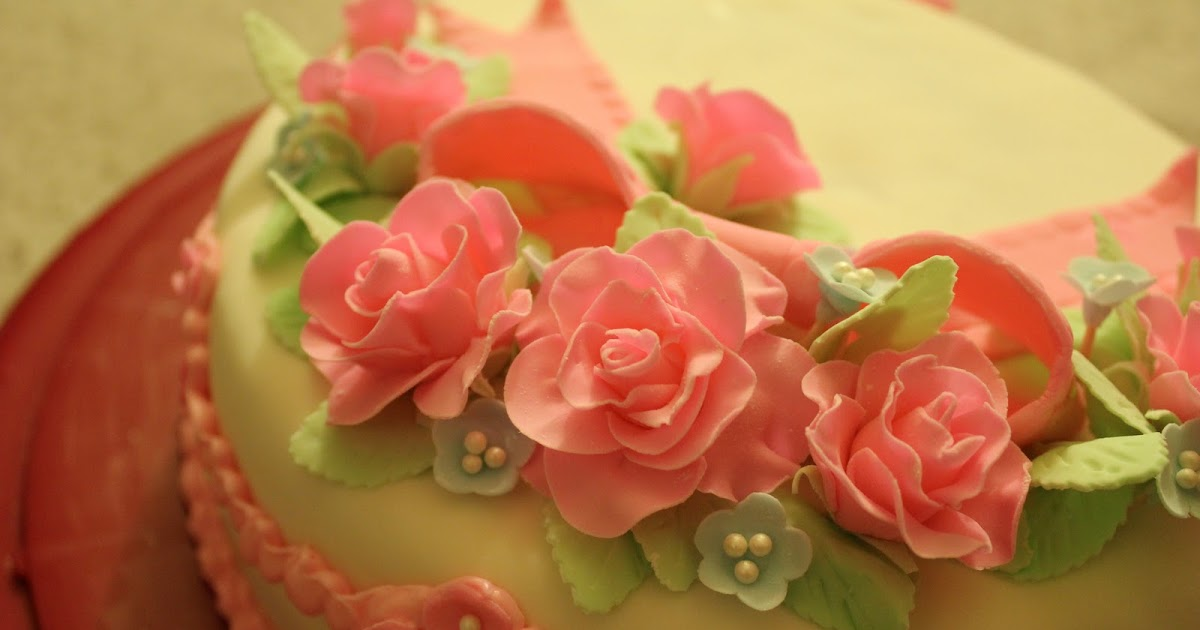 Fondant Roses Tutorial Gwen S Kitchen Creations
