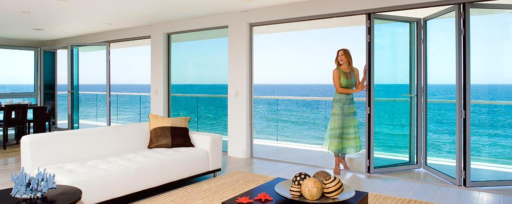 A really great space the new indoor outdoor livestyle for Folding window wall
