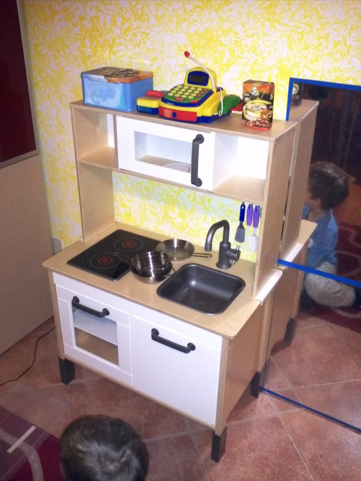 Cosa Sto Facendo: Cucina IKEA per bambini