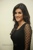 Kriti Sanon Photos at 1 Nenokkadine Audio Release-thumbnail-4