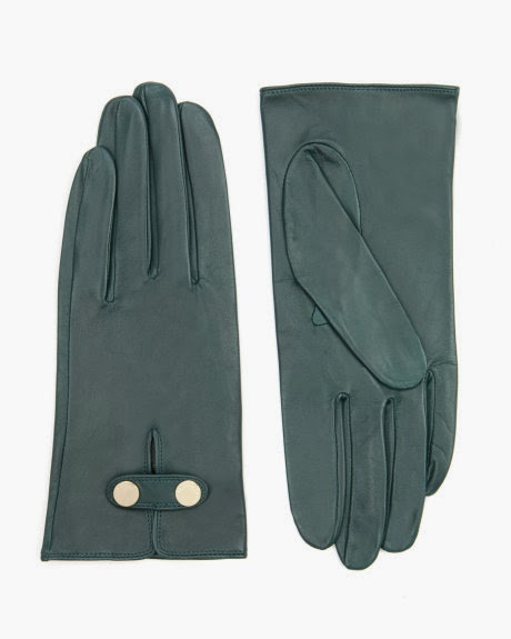 http://www.awin1.com/cread.php?awinmid=2525&awinaffid=181975&clickref=&p=http%3A%2F%2Fwww.tedbaker.com%2Frow%2FWomens%2FAccessories%2FGloves%2FCHUPA-Leather-button-glove-Green%2Fp%2F109921-34-GREEN