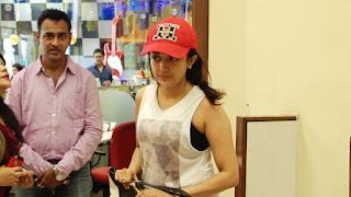 Monali Thakur (2).jpg