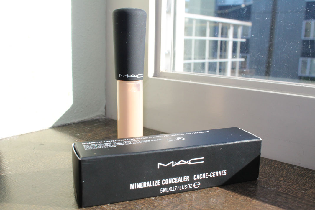m.a.c mineralize concealer