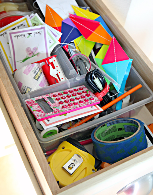 Iheart organizing diy paper box drawer organizers and an - Organizing desk drawers ...