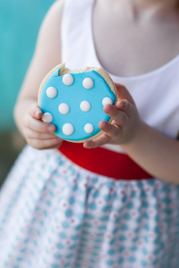 http://www.karaspartyideas.com/2013/06/red-aqua-gender-neutral-polka-dot-birthday-party.html