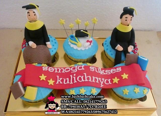 cupcake kelulusan hadiah anak daerah surabaya - sidoarjo