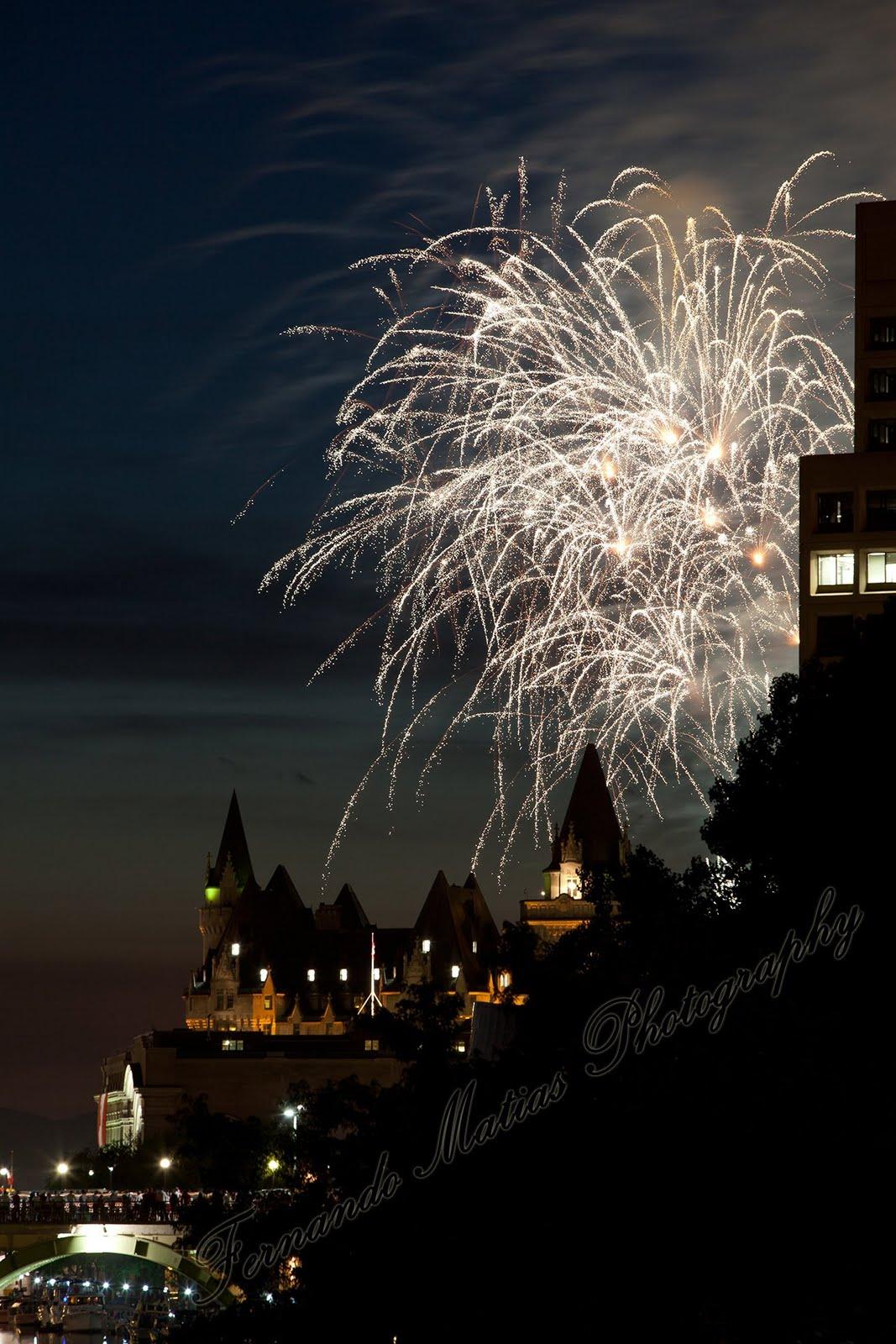 http://2.bp.blogspot.com/-N7X6nxZPAeQ/Tg_Pulx6-VI/AAAAAAAAC5g/TlZu_3zIu7U/s1600/Fireworks%252B2011-5.jpg