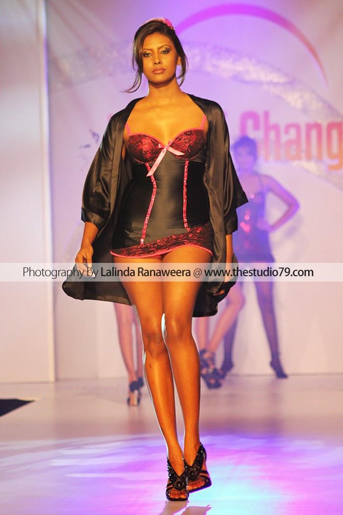 sl model lingerie