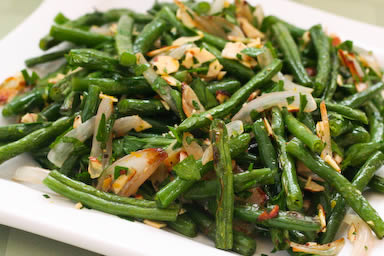 Garlic-Roasted Green Beans Recipe with Shallots and Almonds from ...