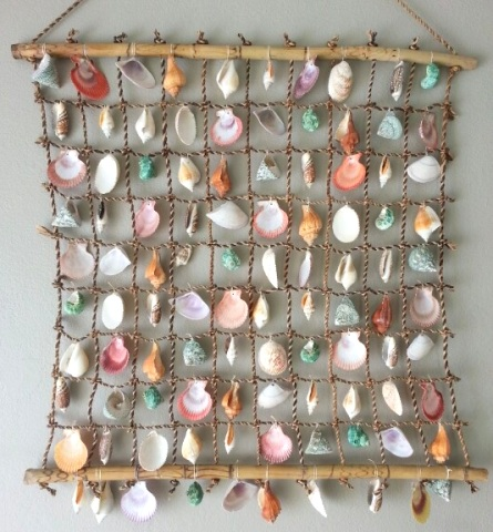 seashell net wall hanging