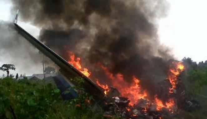 FOTO KRONOLOGIS PESAWAT CESNA JATUH DI TUAL MALUKU 2014 Insiden Kecelakaan Pesawat Cassa Carter