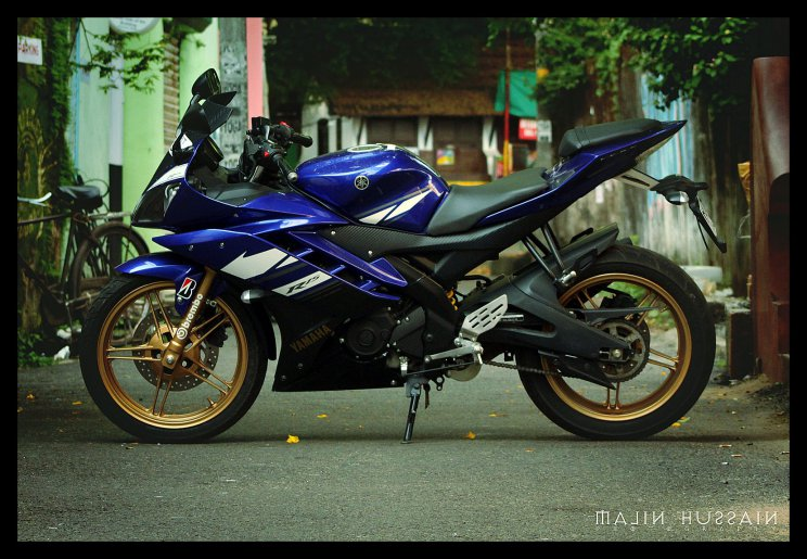 R15 V2 Red And White Golden Blue Yamaha R15...